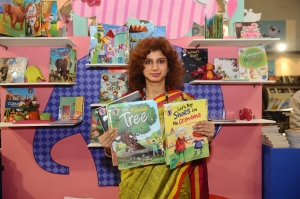 Mudit Mohini, Director, Vishv Books holding new series launched Read & Grow