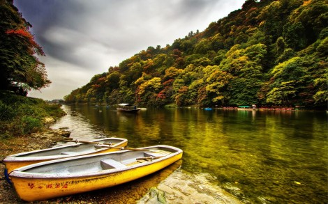 world___china_yellow_boat_by_the_river_in_china_107813_